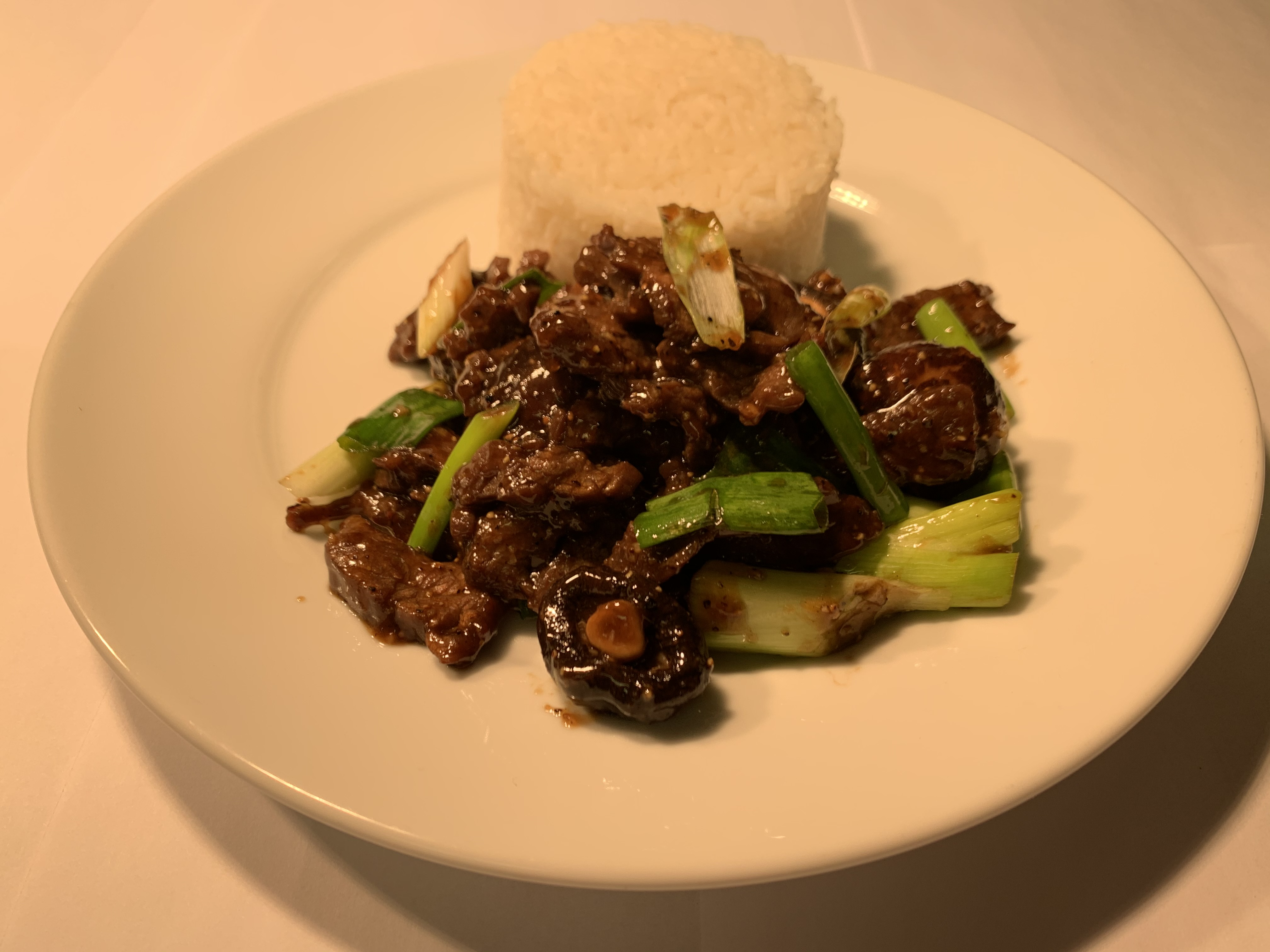Beef with Shiitake mushrooms & spring onions